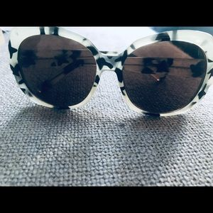 ⬇️ Anthropologie Sunglasses